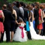礼服とスーツの違いとは?男性用は冠婚葬祭でも大丈夫?